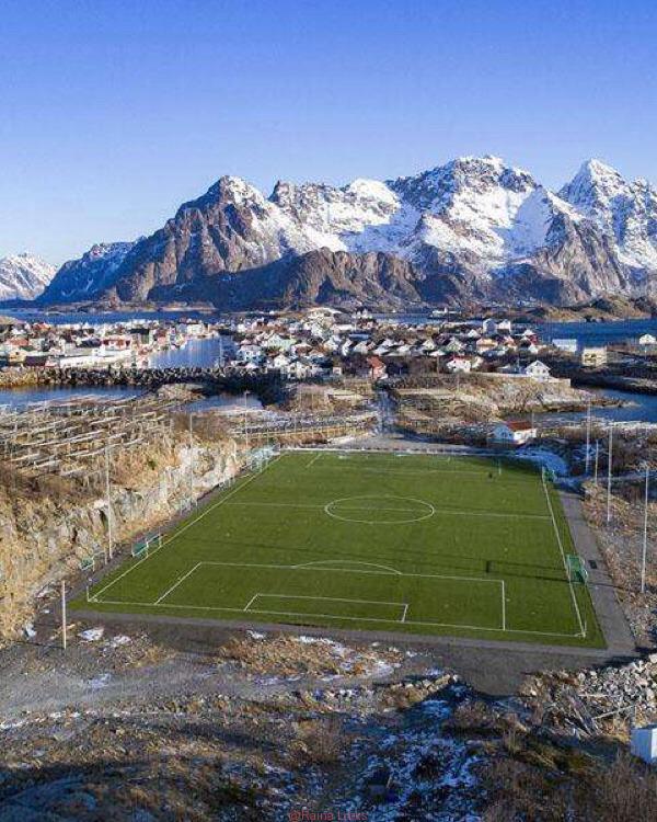 20180914115610 - The world's most beautiful football stadium on the sea